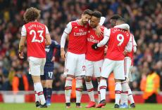 «¿Qué jugador del Arsenal no es un desastre …?»